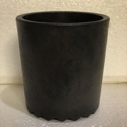 W name  plastic Pot Black