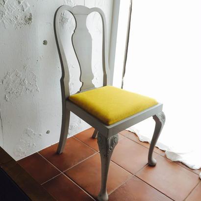 灰色のうさぎとヒマワリの椅子~1940's 英国アンティーク フレンチグレーカラー オークチェア~