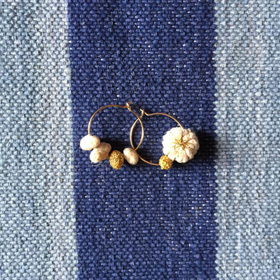 Cotton Daisy Circle Pierce (Natural)