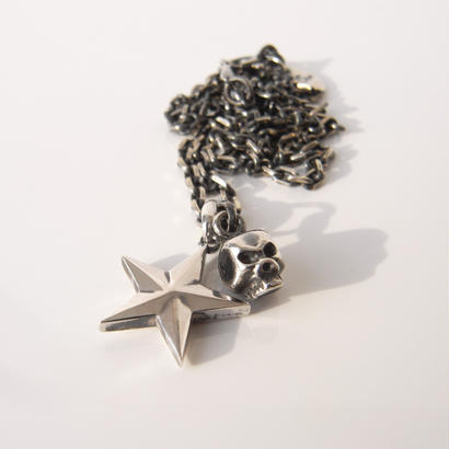 the big star!!+baby skull necklace