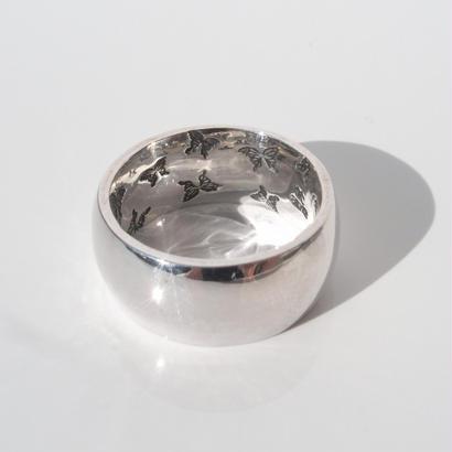 蝶の舞う指輪 | large