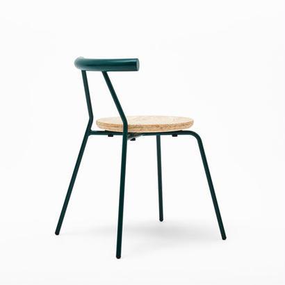 [chii]スタッキングのできるコンパクトな椅子