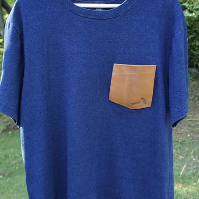 TADPOLE   leather pocket TEE   indigo