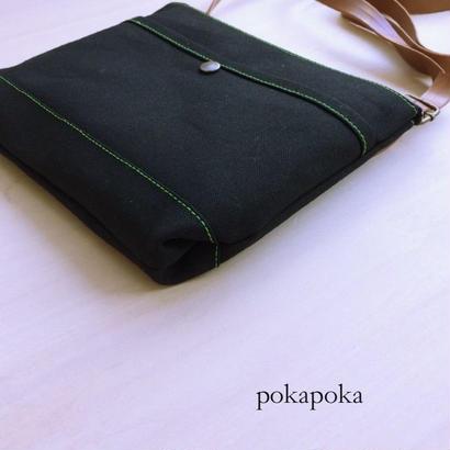 緑のステッチ倉敷帆布ポシェット 黒