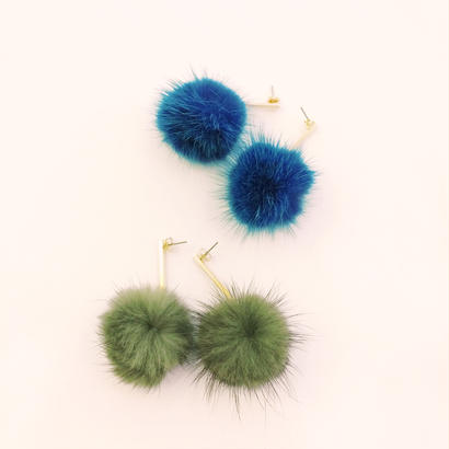 fur pompom pierce