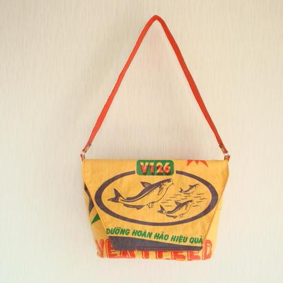 tuan tuan -messenger bag-