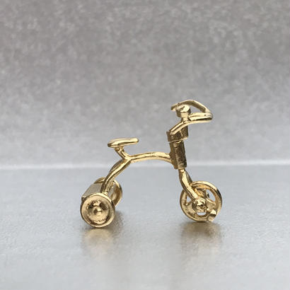 Tricycle pendant - Gold