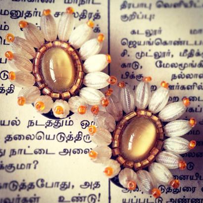 Earring  花の眼