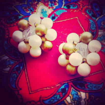 Vintage Earring  金・白・透明・真珠の色