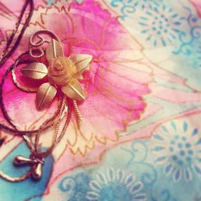 Vintage Looptie-necklace ゴールドローズフラワー