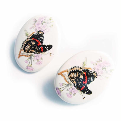 Vintage Pierce 桜に蝶