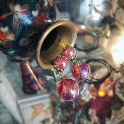 Vintage earring「赤いシャボン玉のような」