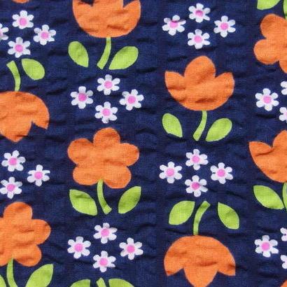 #405 レトロな可愛いオレンジの花柄 サッカ生地