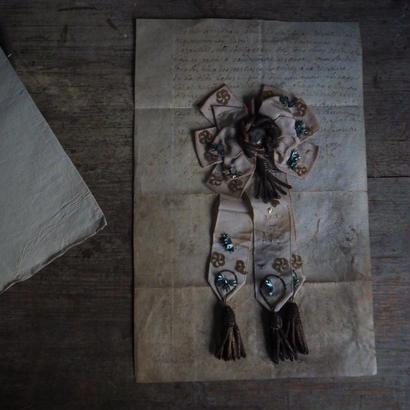 古の勲章モチーフ