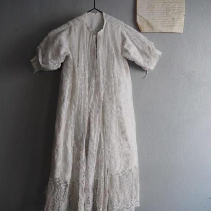 une robe de bébé