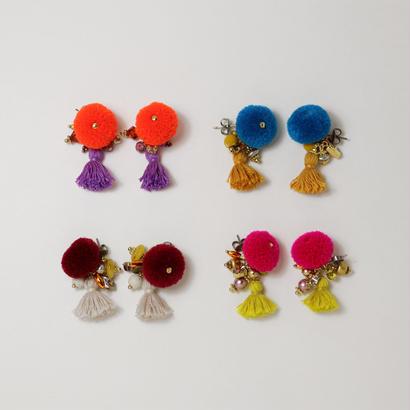 Pompon pierce/earring