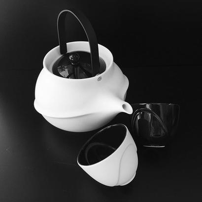 YOnoBI 磁器ティーポット【TANE】ブラック