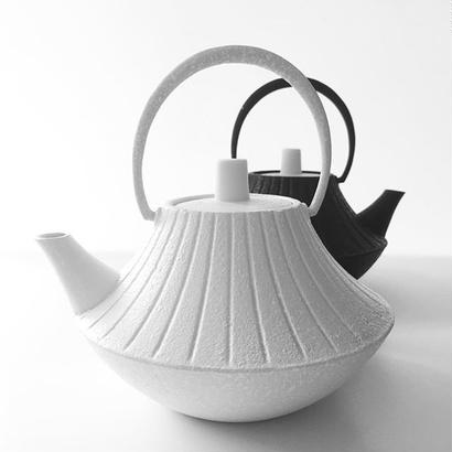 YOnoBI 鋳物ティーポット【GROOVE】  white