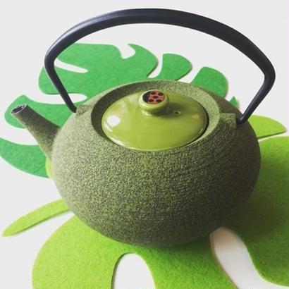YOnoBI 鋳物ティーポット【HIRA】ライトグリーン