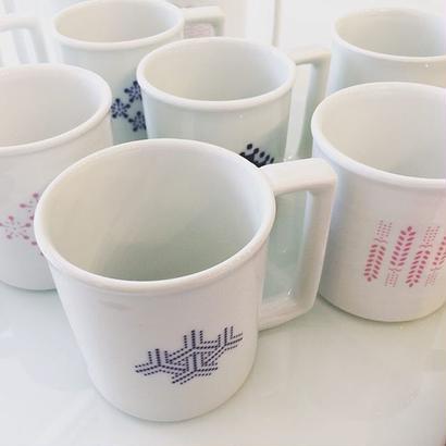 YOnoBI 磁器マグカップ【H-KOMON】ピンク