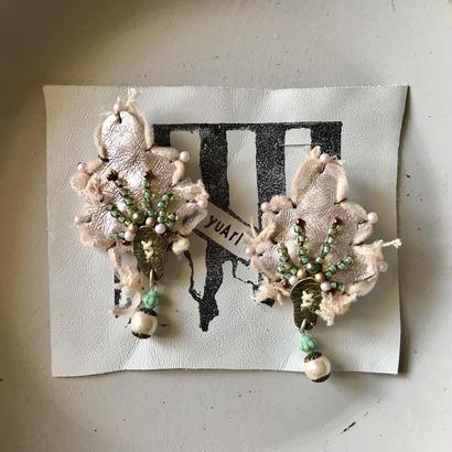 扇子の耳飾り<ベビーピンク>