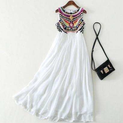 ロングワンピース エスニック 刺繍ドレス ビジュー