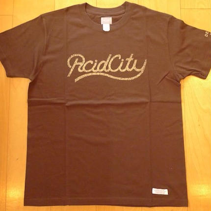 DELUXE x NITELIST ACID CITY  Classic Tee Shirts BROWN