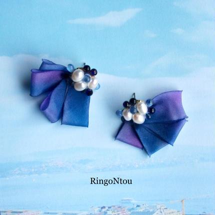 紫陽花色の淡水パールピアス
