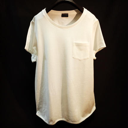 Round hem Pocket  T-shirt
