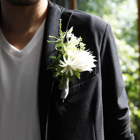 boutonniere / fresh flowers