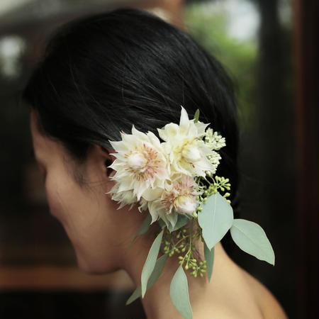 hair ornaments / fresh flowers