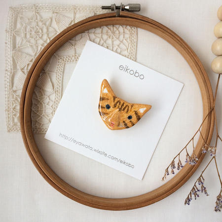 eikobo  |  猫 ブローチ / キジトラ
