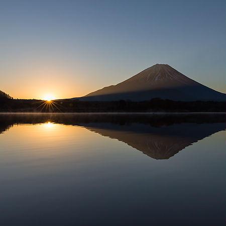 精進湖日の出01 富士山[富士河口湖町]