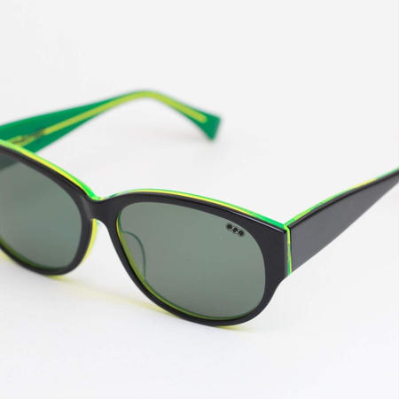 'mango' model    black/ neon greenframe/G-13lens