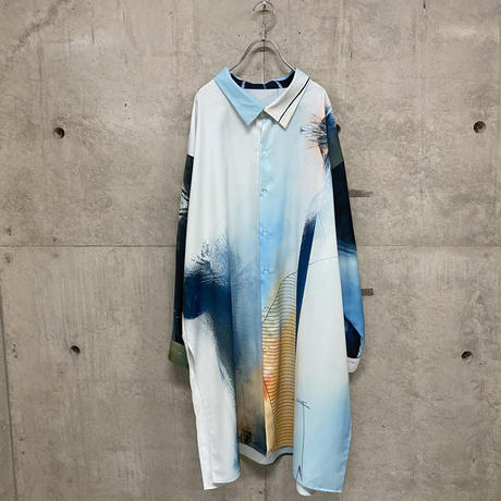 Cryptogram over silhouette shirt / clear blue
