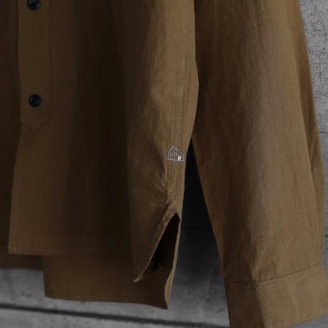 オーガニックコットンバンドカラーコットンシャツ(キャラメルブラウン)【ユニセックス】005