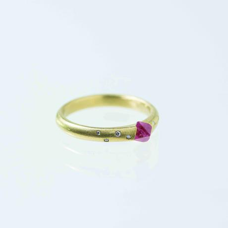 ---One of a kind---Handsome Spinel Ring