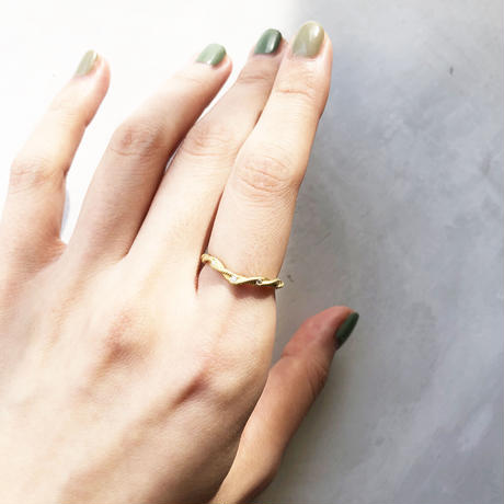IVY Ring-VラインダイアモンドYG