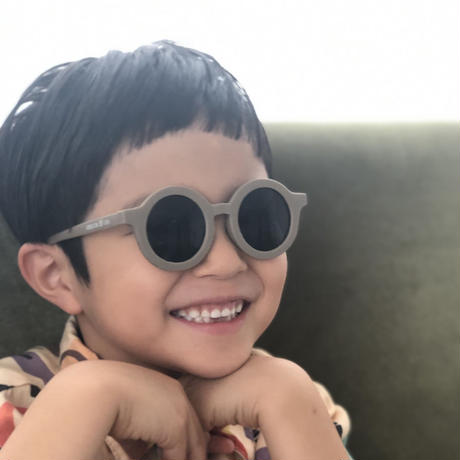 GRECH&CO. SUSTAINABLE KIDS SUNGLASSES_STONE