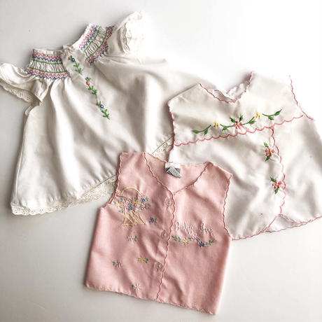 flower embroidery tops (dead stock)