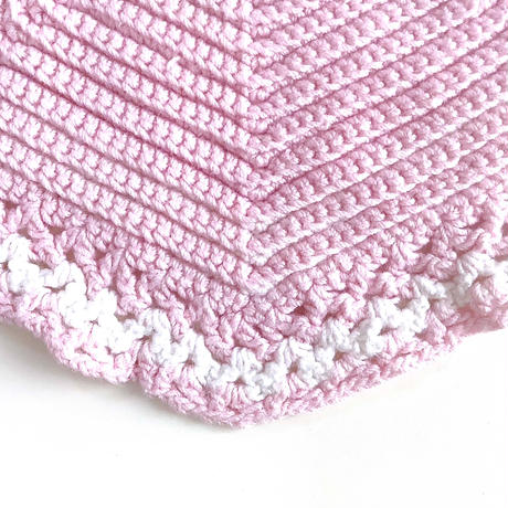 crochet bib (dead stock)