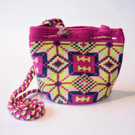 コロンビア産の手作りバッグ
