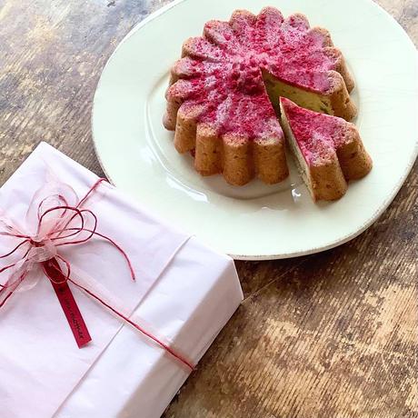 〈母の日限定〉 色づくマーガレットケーキ(エシカルバッグ付き)*発送日5月7日(金)