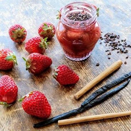 〈母の日限定〉無農薬苺とカカオニブのコンフィチュール*発送日5月7日(金)