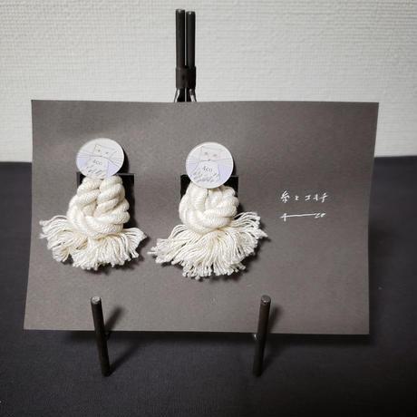 ガラスイラストピアス 糸とユキチ