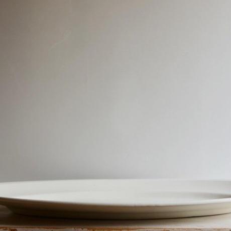 船串篤司さん オーバルプレート(ホワイト)