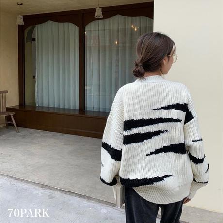 #Zebra Knit Sweater 大判 ゼブラ柄 モノトーン ニット トップス ホワイト