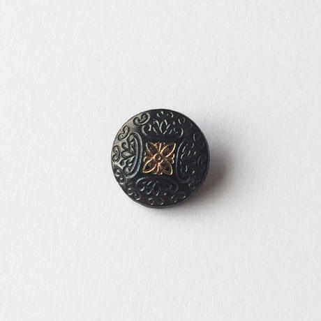 VINTAGE BLACK EMBOSSED GLASS BUTTON
