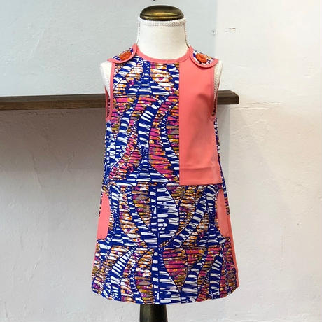 北欧ブランドプリント柄ワンピース Emilia bebe 1272050 Kids Sleeveless dress in Sinikka print and pink block color
