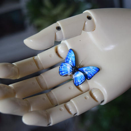 キプリスモルフォのピアス blue.col 3Ssize (両面 片耳用)